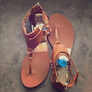 Vince Camuto NWOB sandal size 6.5